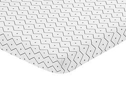 Sweet Jojo Designs Grey and White Geometric Baby Fitted Mini